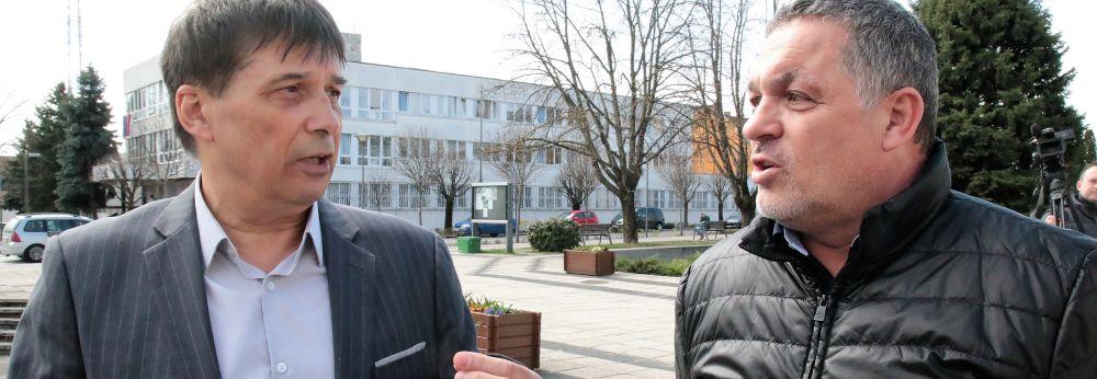 Sajtótájékoztatók a sóstói tábor ügyében