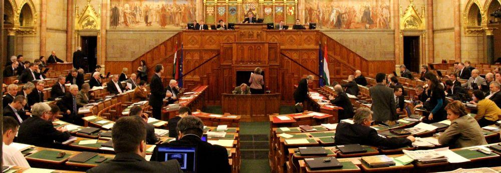 Benyújtotta a kormány a hitelmegállapodás kihirdetéséről szóló törvényjavaslatát