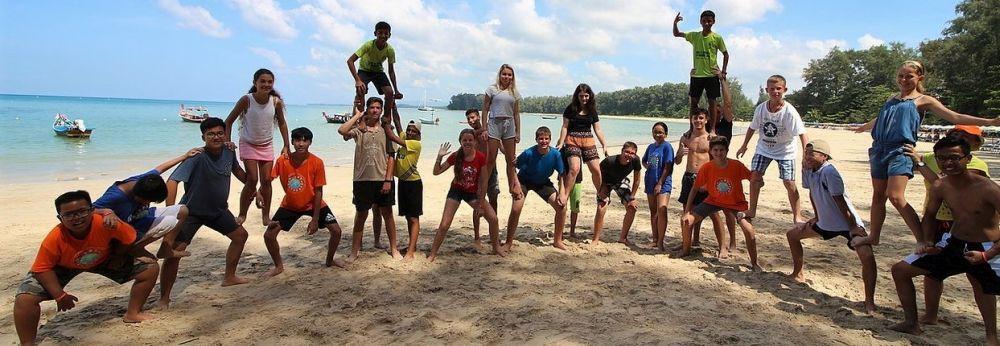 Magyar gyerekek a Roszatom Iskolája thaiföldi táborában