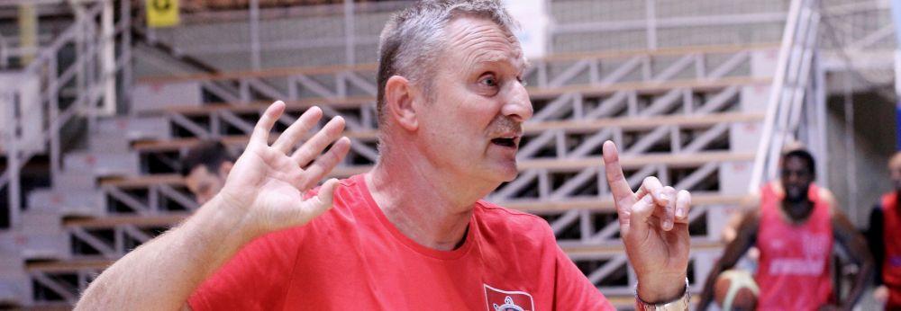 Kosárlabda: paksi edző és játékosok az All Star Gálán