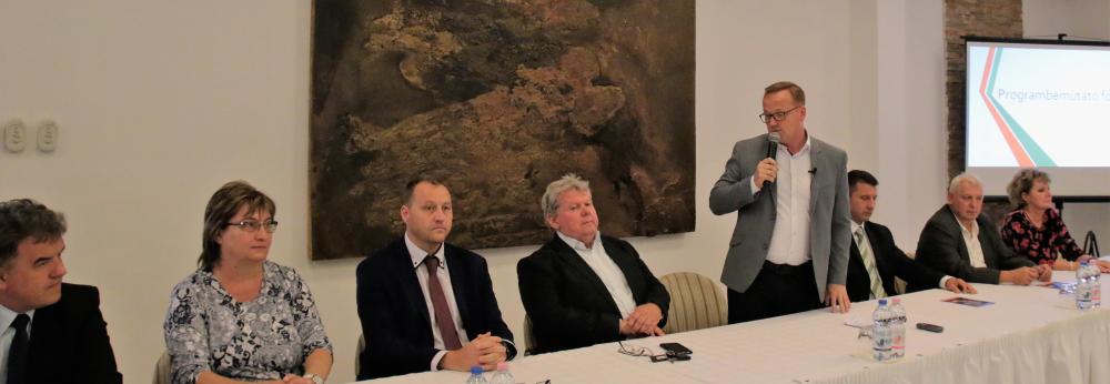 A Fidesz-KDNP programbemutatója Pakson
