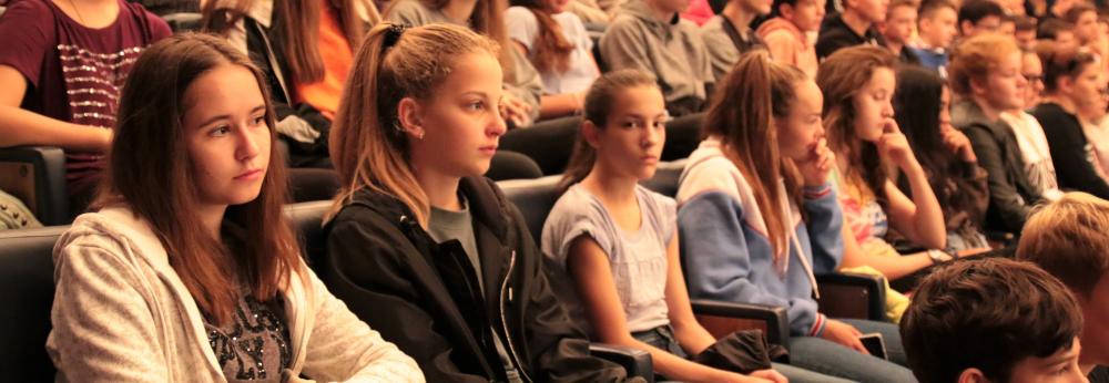 Drogmegelőzési előadások paksi középiskolásoknak