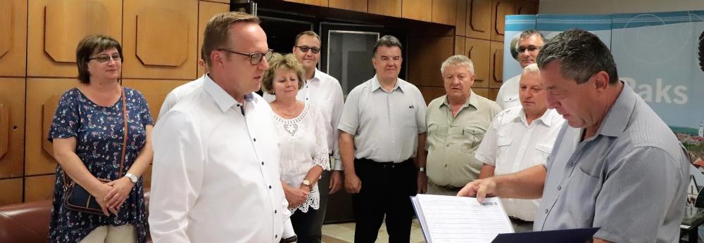 A Fidesz-KDNP szervezete leadta az ajánlásokat