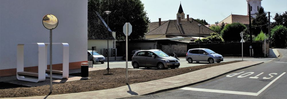 Parkolók a Szentháromság téren